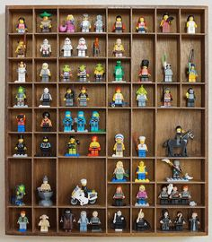 5 DIY Ideas for Lego Minifigure Storage.make it a little bigger to be able to display other Lego stuff Lego Display, Display Ideas, Display Cases, Lego Minifigure Display, Lego Duplo, Lego Minifigs, Legos, Boy Room, Kids Room