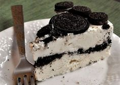 Oreo, our favorite cookies (StoresConnect. Oreo® Ice Cream Cake Recipe for Devin's birthday, but I will make a few changes according to his requests. Oreo Ice Cream, Ice Cream Desserts, Frozen Desserts, Frozen Treats, Just Desserts, Cookies Oreo, Oreo Cake, Sweet Recipes, Cake Recipes