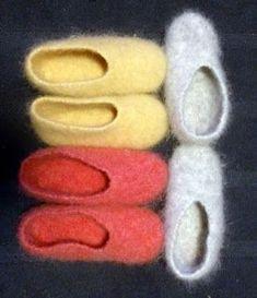 Knitflow: Tossut Léttlopista & ohje Wool Socks, Knitting Socks, Designer Socks, Mittens, Make Your Own, Ravelry, Knit Crochet, Diy And Crafts, Felt