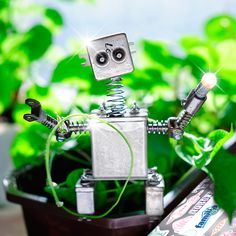 cool robot ~ (Photograph Robot Alfredo by Roman Rodionov on Cool Robots, Pista, Metal, Photograph, Jitter Glitter, Hipster Stuff, Places, Manualidades, Photography