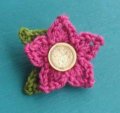 Dit is de eerste van de collectie patronen die ik van plan ben om te verzamelen :gehaakte bloemekes.  Want de lente is in aantocht en wat k...