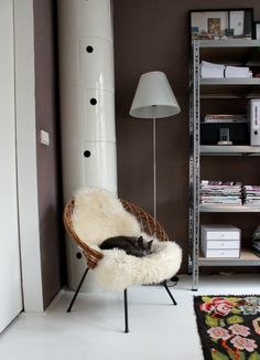 MCM in the Room - Kartell Componibili Art Deco Furniture, Small Furniture, Home Furniture, Eclectic Living Room, Cozy Living Rooms, Cozy Reading Corners, Best Office Chair, Interior And Exterior, Interior Design