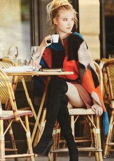 Mermaid Drink, Parisian Cafe, Coffee Girl, Sexy Coffee, Coffee Cup, Coffee Photography, Chair Photography, Tank Shirt, Coffee Break