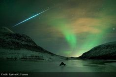 Astro Pic Of The Day ‏@apod   Aurora Shimmer Meteor Flash: http://apod.it/141207  pic.twitter.com/wUxuUsoNLG
