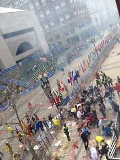 """[@]theoriginalwak:  What the fuck just happened? #bostonmarathon"" : twitter (photo taken/tweeted just after 1st bomb - 4/15/13)"