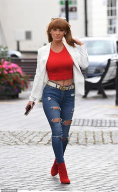 Summer Monteys-Fullam steps out for lunch as she prepares to face ex Paul Hollywood in court Paul Hollywood, Stepping Out, Tv Presenters, Casual Chic, Sexy Women, Lunch, Fulham, Stylish, Lady