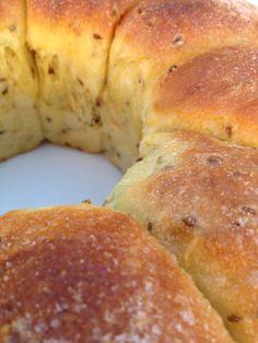 Bizcocho de naranja, aceite y anís. Bread Recipes, Cooking Recipes, Mexican Dinner Recipes, Pan Bread, Sweet Bread, I Foods, Sweet Recipes, Food And Drink, Yummy Food