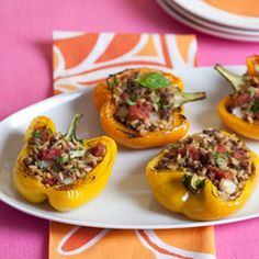These Italian orzo and #beef stuffed peppers would be the star of your buffet table. #party #recipe