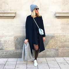 N a v y  #outfit #outfitoftheday • Manteau #zara • Gilet #zara • Robe #mademoiselleD • Bonnet #coal • Baskets 🎅🏻 #commonprojects • Écharpe 🎅🏻 #lespetitshauts • Sac #trotteur #celine