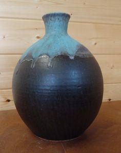 Wheel-thrown Vase (V1009)