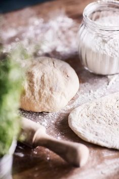 Wine Recipes, Camembert Cheese, Hamburger, Food And Drink, Dairy, Pizza, Bread, Baking, Cake