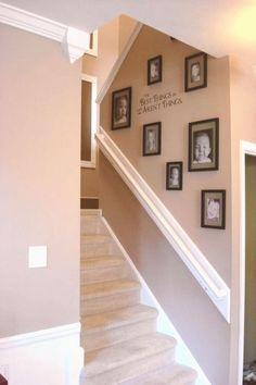 Display Family Photos, Family Pictures, Display Pictures, Framed Pictures, Art Pictures, Kid Photos, Traditional Staircase, Diy Casa, Diy Home