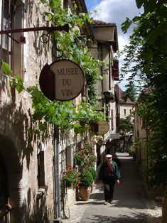 Saint-Cirq Lapopie, Fransa30 Picturesque Villages Straight Out of Fairy Tales [PICS]