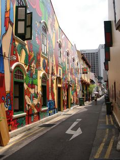 singapore- colourful walls in city area Never see these before