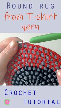 How to crochet a round rug using T-shirt yarn and cotton yarn. Showing how to crochet round using T-shirt yarn. Also works for many other round projects like coasters or table mats. Crochet Round, Crochet Crafts, Crochet Yarn, Crochet Projects, Crochet Rug Patterns, Crochet Basket Pattern, Tshirt Garn, Rag Rug Diy, Braided Rag Rugs