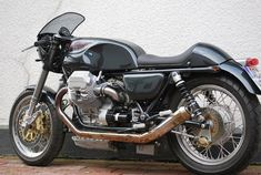 The Great Charm of Vintage Cars - Popular Vintage Moto Guzzi Motorcycles, Vintage Motorcycles, Scrambler, Ducati Sport Classic, Classic Bikes, Cafe Racer Moto, Cafe Racers, Guzzi V7, Cafe Racer Magazine