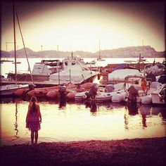 Elba island. Little girl in little harbour. - @ilaria_agostini- #webstagram