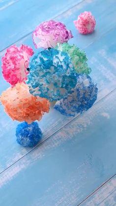 Paper Flowers Craft, Paper Crafts Origami, Paper Crafts For Kids, Flower Crafts, Preschool Crafts, Fun Crafts, Diy Crafts Hacks, Spring Crafts, Diy Art