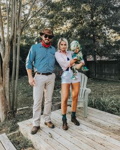 Halloween Family Costume Ideas to Make us Look Even Gorgeous - Gravetics - Welcome to Jurassic Park. Welcome to Jurassic Park. Welcome to Jurassic Park. Welcome to our websit -