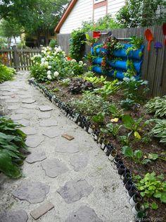bottle border gardening ideas pinterest garten flaschen und wein. Black Bedroom Furniture Sets. Home Design Ideas