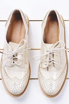 How to Clean White Shoes—Whether They're Canvas, Leather, or Suede Clean Suede Shoes, How To Clean White Shoes, How To Wash Shoes, How To Clean Suede, Leather Boat Shoes, Sneaker Boots, Oxfords, Baskets, Women Oxford Shoes