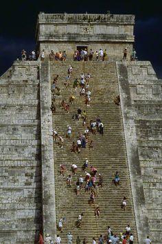 Mayan pyramid of Kukulkan at Chichen Itza - Yucatan, Mexico. #LoveMexico http://gotomexico.co.uk/