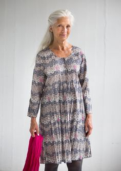 """""""Tussilago"""" dress in eco-cotton – Size XXL – GUDRUN SJÖDÉN – Webshop, mail order and boutiques   Colorful clothes and home textiles in natural materials."""