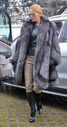 NEW Swinger Royal Saga Silver FOX FUR Coat LIK Sable Mink Chinchilla Lynx Poncho | eBay
