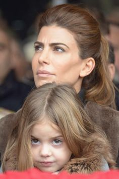 Glamour, Casual Looks, Brown Hair, Diana, Hair Makeup, Hair Color, Hair Beauty, Daughter, Hairstyle