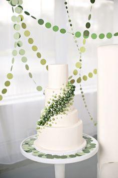 Ombre green wedding cake and modern cake display Gorgeous Cakes, Pretty Cakes, Wedding Cake Designs, Wedding Cakes, Daisy Wedding, Green Wedding, Wedding White, Modern Cakes, Wedding Cake Inspiration