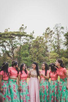 Top Wedding Photographers in Bangalore Indian Bridesmaid Dresses, Bridesmaid Saree, Bridesmaid Outfit, Wedding Bridesmaids, Bridal Dresses, Bridal Shoot, Wedding Photoshoot, Saree Wedding, Wedding Gowns
