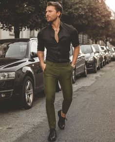 Mens Fashion – Designer Fashion Tips Green Shirt Outfits, Black Shirt Outfit Men, Chinos Men Outfit, Shirt Men, Mens Black Shirt, Outfit Hombre Casual, Formal Men Outfit, Men Formal, Style Masculin