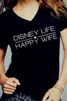 I love this Disney Life, Happy Wife tee! I would so wear this to Disney World! #ad #disney