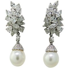 Classic Night Day Platinum Diamond South Sea Pearl Earrings (194.750 ARS) ❤ liked on Polyvore featuring jewelry, earrings, diamond, pearl, diamond earring jewelry, platinum jewellery, diamond earrings, platinum diamond earrings and earring jewelry