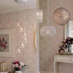 Поодбирать люстры нужно тщательно и индивидуально для каждого помещения! #интерьер #свет #люстра #lauraashleyru