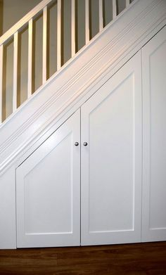 Closet Under Stairs, Space Under Stairs, Under Stairs Cupboard, Basement Stairs, House Stairs, Basement Ideas, Basement Ceilings, Staircase Storage, Hallway Storage