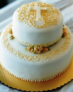 first communion cake | rolled fondant covered first communio… | Flickr Pretty Cakes, Beautiful Cakes, Amazing Cakes, Cupcakes, Cupcake Cakes, Confirmation Cakes, Christening Cakes, First Holy Communion Cake, Religious Cakes