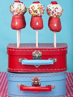 Gumball machine cake pops: we did this for Calla's 2nd Birthday party....so cute!