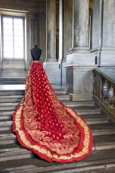 """""""Probably made for the Empress Joséphine [of France] (1763-1814) in the early 1800's. Queen Sofia and Oscar II married June 6th, 1857 and celebrated their golden wedding fifty years later, in 1907. Later that year, in December, died king."""" (quote - Google translate) via lsh.se"""