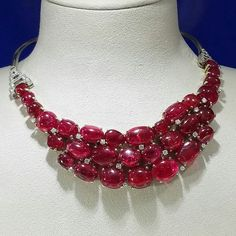 @michellealdag. Looking through my photos and realized there were lots of cool color #gemstones but few warm colors, so here is a #rubyred #spinel #diamond #necklace by #suzannebelperron