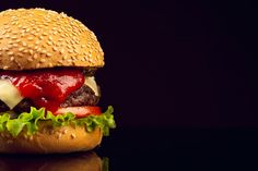 Beef burger served with french fries, mayonnaise and ketchup Photo Beetroot Burgers, Homemade Burgers, European Cuisine, Special Recipes, Food Cravings, Food Pictures, Black Backgrounds, Free Photos, Free Food