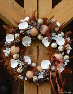 velikonoční věnce na dveře - Hledat Googlem Christmas Diy, Christmas Wreaths, Grapevine Wreath, Grape Vines, Diy And Crafts, Centerpieces, Holiday Decor, Spring, Creative