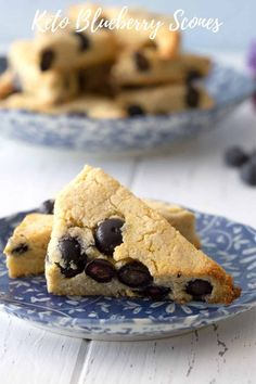 Keto Blueberry Scones - All Day I Dream About Food Low Carb Deserts, Low Carb Sweets, Low Carb Bread, Low Carb Keto, Keto Bread, Almond Flour Recipes, Low Carb Recipes, Coconut Flour, Blueberry Scones Recipe