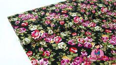 0,5mtr Baumwolle Popeline Stoff MILLEFLEUR Blumen Muster auf SCHWARZ Q95