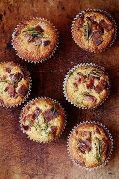 This Bacon Cheddar muffin recipe from Zoe Nathan's restaurant in L.A. is perfect for pre-holiday weekend brunches for friends and family you don't get to spend the actual holiday with. @mrsmeyersclean #designsponge