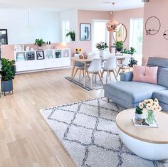 Immy and Indi Interior Inspiration | Scandinavian living at its best by @fruspilde Plants For Kitchen, Grigio Rosa, White Rug, White Wood, Scandinavian Living, Colour Combo, Living Room Inspiration, Home Decor Inspiration, Room Interior
