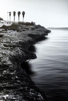 On the shorelinef7.1; 1/80s; ISO 100; FL:28mm. Juan Manuel...