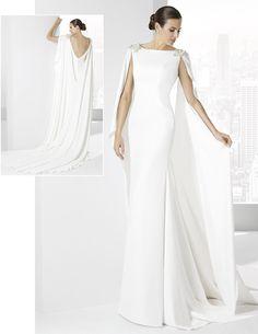 8cf071f397 FRANC SARABIA 2016 Traje de novia en crep natural con capa sujetada al  hombro. Vestido