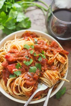 Spaghetti in Spicy (Vegan!) Tomato Cream Sauce