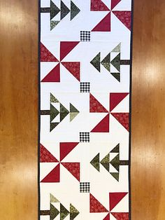 Tree Quilt Pattern, Star Quilt Patterns, Paper Piecing Patterns, Christmas Quilt Patterns, Christmas Tree Pattern, Christmas Quilting, Quilted Table Runners Christmas, Christmas Runner, Farmhouse Quilts